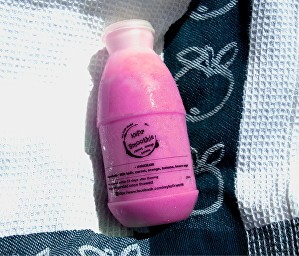[MPLUS] Kefir Strawberry-Apple-Roselle Smoothies [Frozen] 250Ml